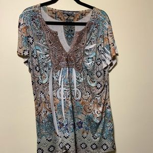 1x short sleeve top with v neck copper and teal